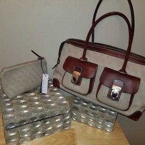 Dooney & Bourke purse & matching small make up bag